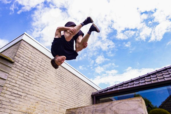 ISOLATION – Freerunning Edit